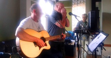 Performers at Newtown Acoustic Routes