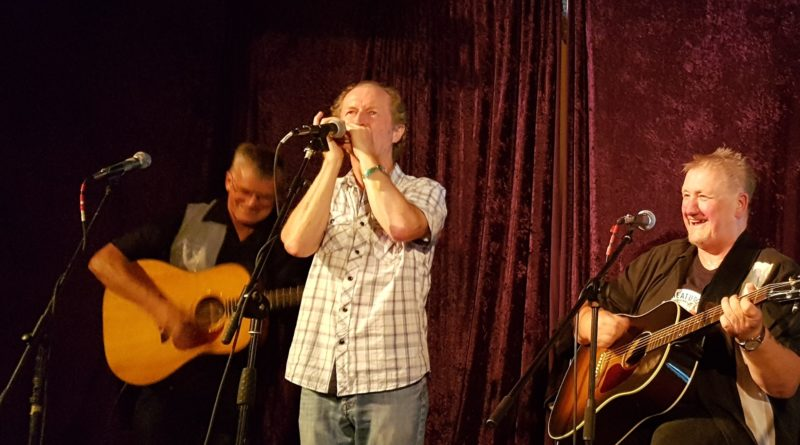 Red Dog Acoustic Duo with Terry Casey